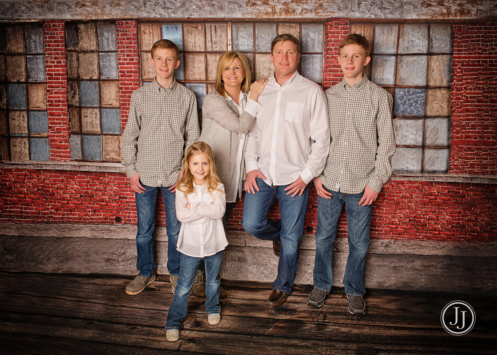 Family Pictures - Color My World Studio - Zionsville, Indiana